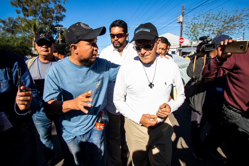 Father Alejandro Solalinde visits migrants