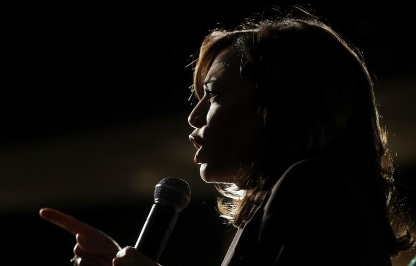 La senadora Kamala Harris, demócrata de California