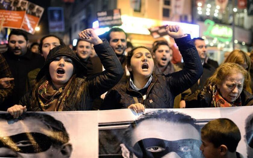 Empresario turco en trama evasión de sanciones a Irán será testigo para EEUU