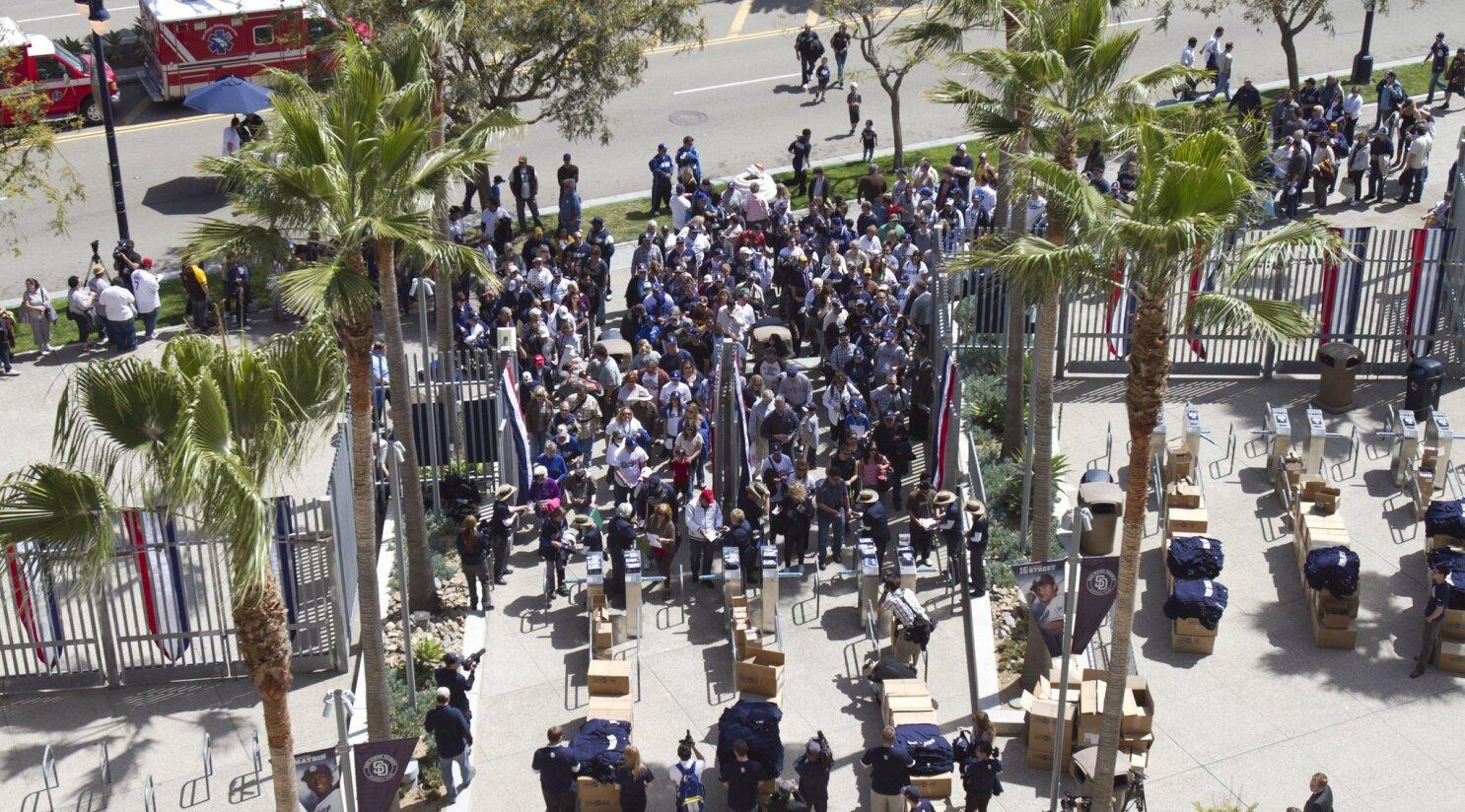 Fans not optimistic about Padres - The San Diego Union-Tribune