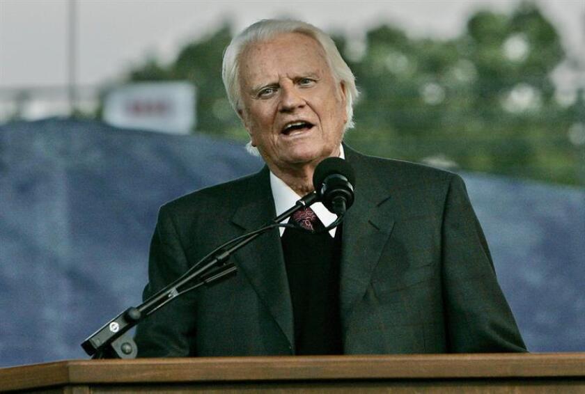 """El """"televangelista"""" Billy Graham, conocido como el """"pastor de los presidentes"""" y de Estados Unidos, falleció hoy a los 99 años de edad, informaron los medios locales. EFE/Archivo"""