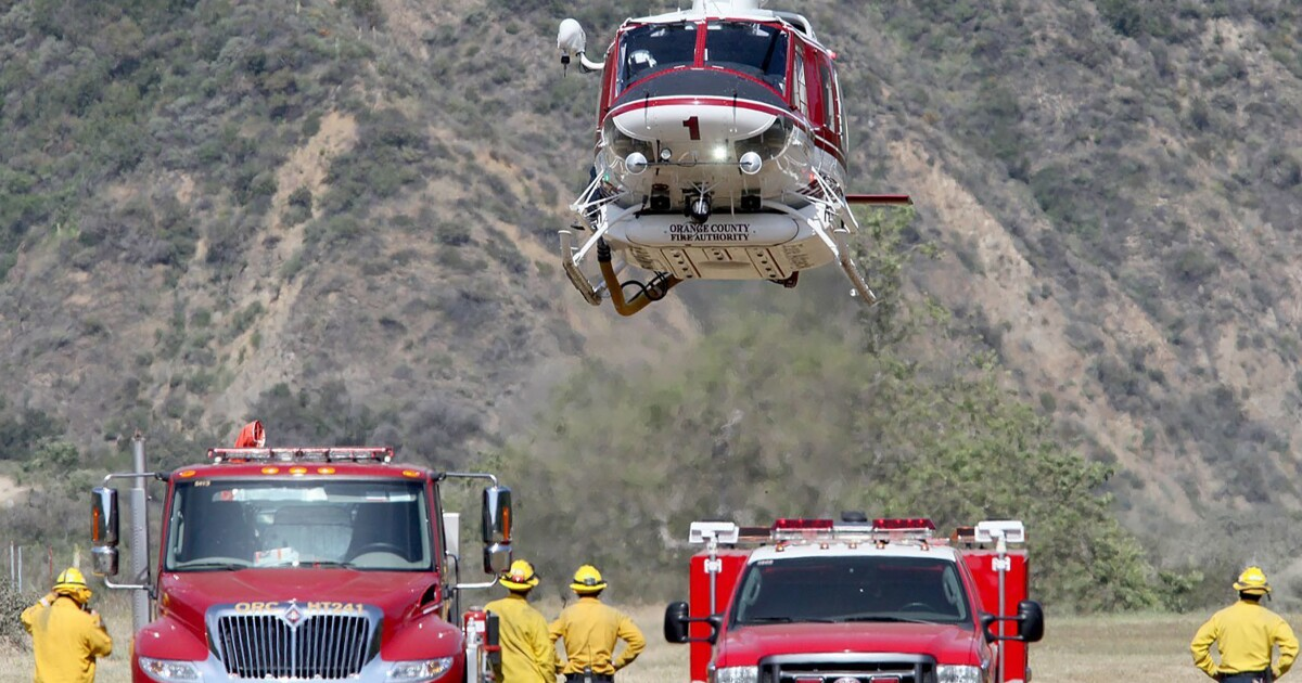 Female pilot sues Orange County fire agency for discrimination - Los Angeles Times