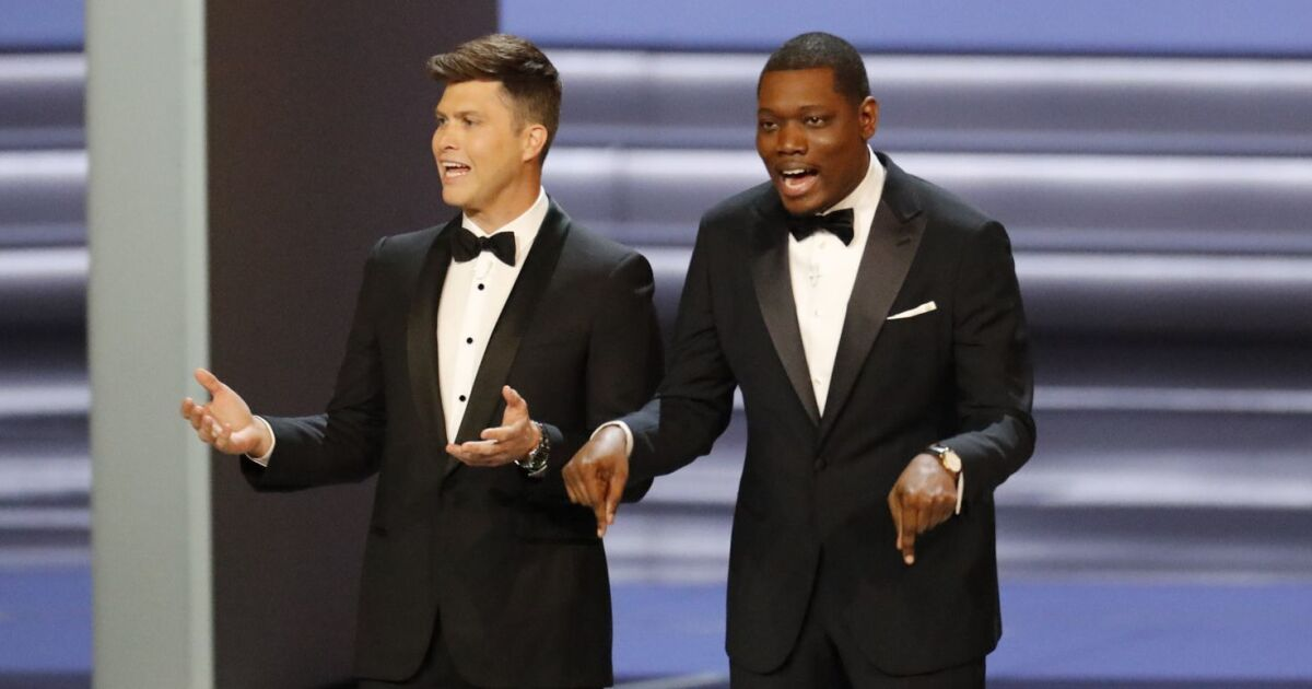 Review Weekend Update Meets Hollywood In Oddly Downbeat Emmy Awards Los Angeles Times
