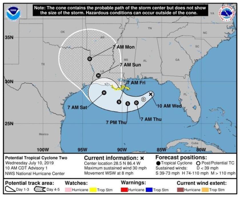 """Imagen cedida por el Centro Nacional de Huracanes (NHC) de Estados Unidos donde se muestra el pronóstico de cinco días en la costa del Golfo de México. El NHC pronosticó para este viernes la formación del primer huracán de esta temporada, """"Barry"""", que, de acuerdo a un patrón de trayectoria, tocaría tierra en algún punto de la costa central estadounidense del Golfo de México el próximo fin de semana. EFE/NHC/SOLO USO EDITORIAL/NO VENTAS"""