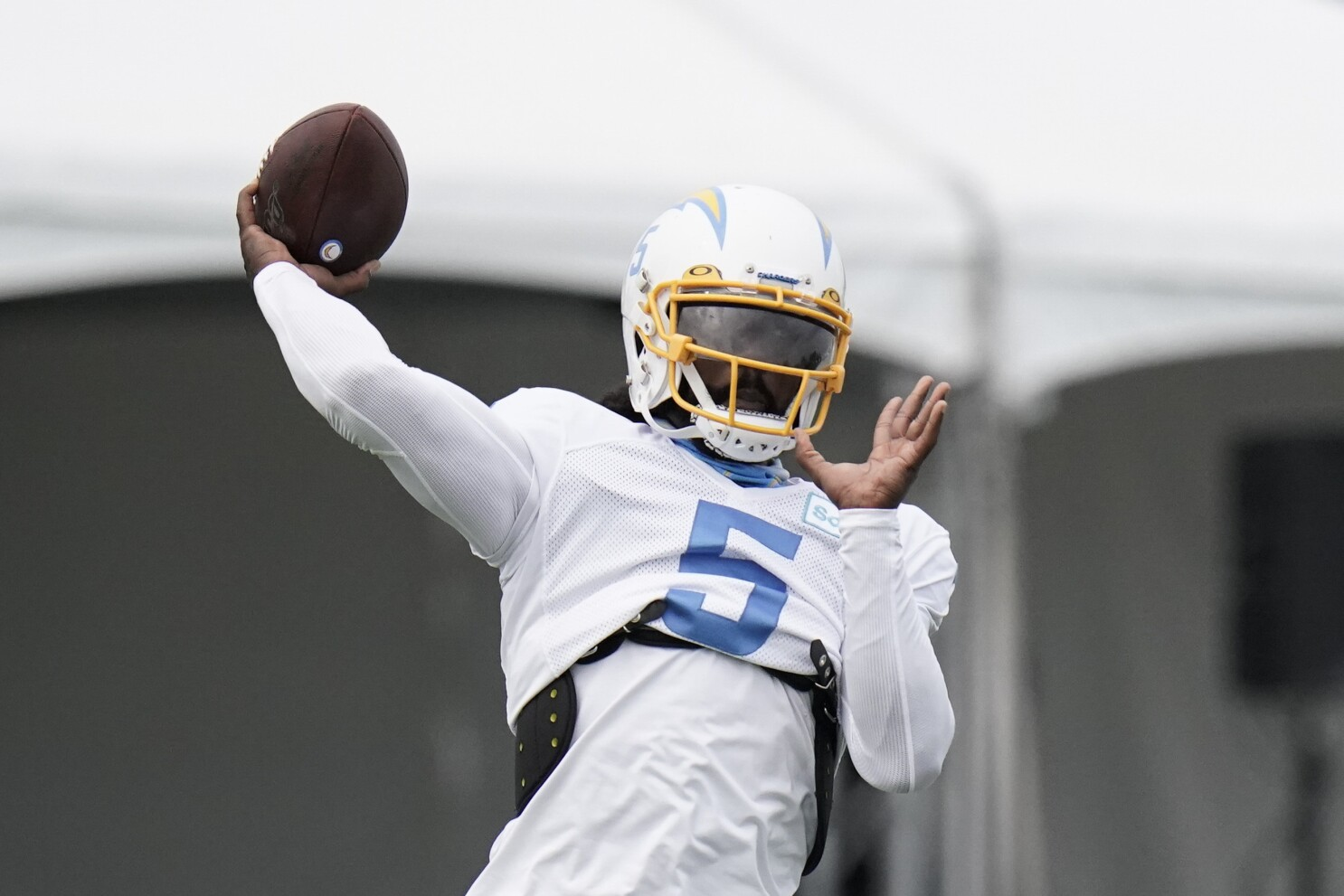 Chargers Vs Bengals Matchup Tyrod Taylor Brings New Element Los Angeles Times
