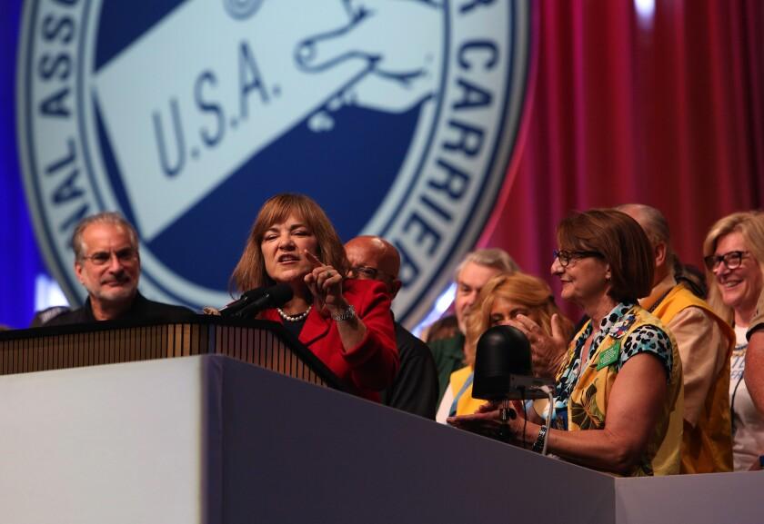 Loretta Sanchez addresses Letter Carriers union.