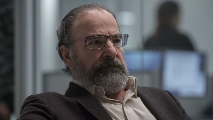 """This image released by Showtime shows Mandy Patinkin in a scene from """"Homeland."""" Patinkin was nomina"""