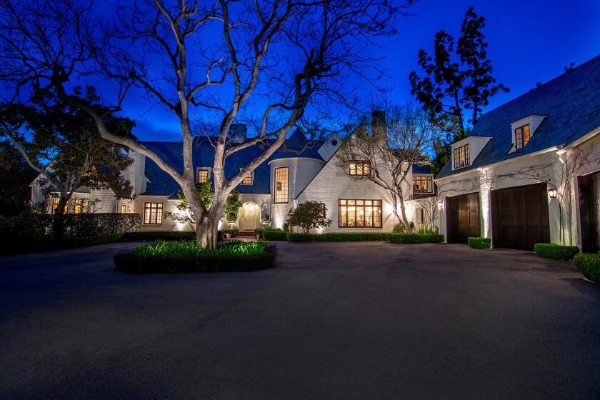 Lindsey and Kristen Buckingham's Brentwood estate   Hot Property
