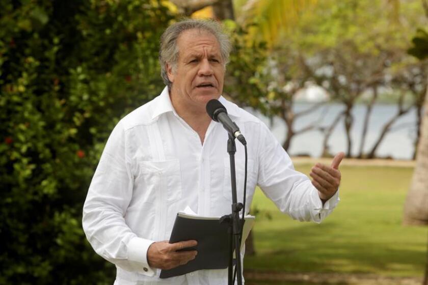 El secretario general de la Organización de Estados Americanos (OEA), Luis Almagro, habla el jueves 13 de septiembre de 2018, luego de sostener una reunión con el presidente de Colombia, Iván Duque, en la Casa de Huéspedes Ilustres de Cartagena (Colombia). EFE/Archivo