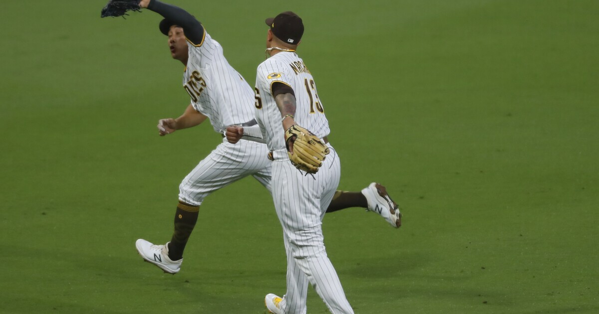 Padres Daily: Good news in the bad; defending Manny; Kim shines