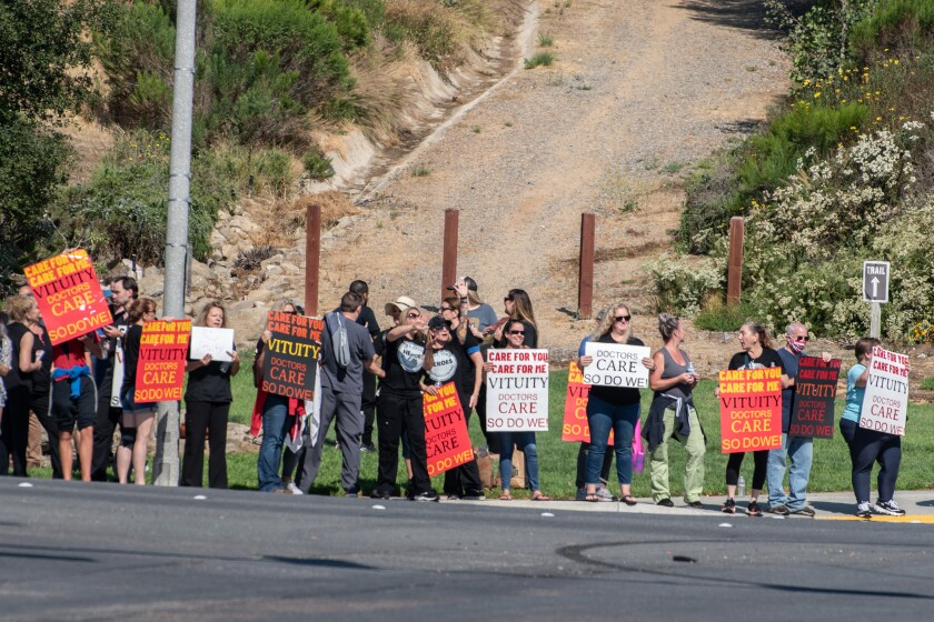 Palomar Health doctors and other workers protest