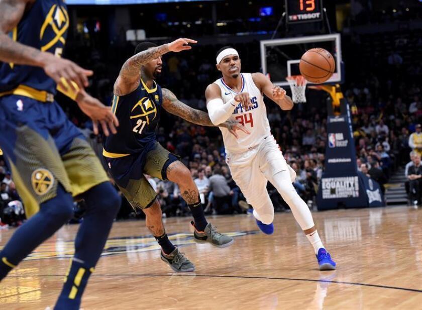 El alero de Los Ángeles Clippers Tobias Harris (d). EFE/Archivo