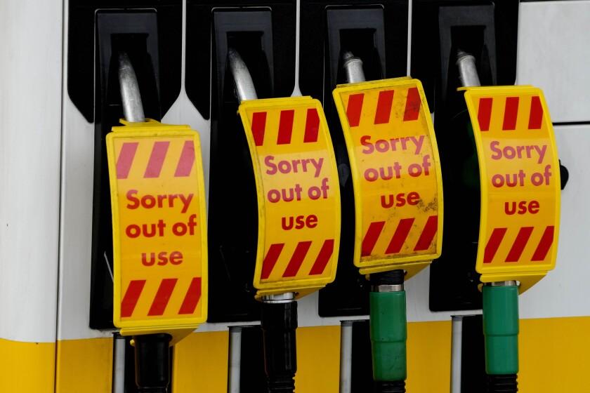 Una gasolinera fuera de servicio debido a la escasez en Londres el 28 de septiembre del 2021. (Foto AP/Frank Augstein)