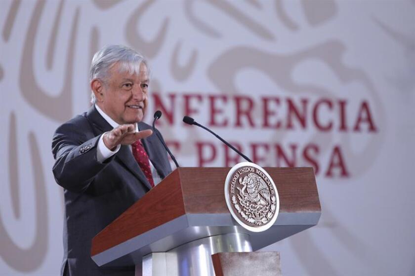 El presidente de México, Andrés Manuel López Obrador, habla en rueda de prensa en el Palacio Nacional de Ciudad de México (México). EFE