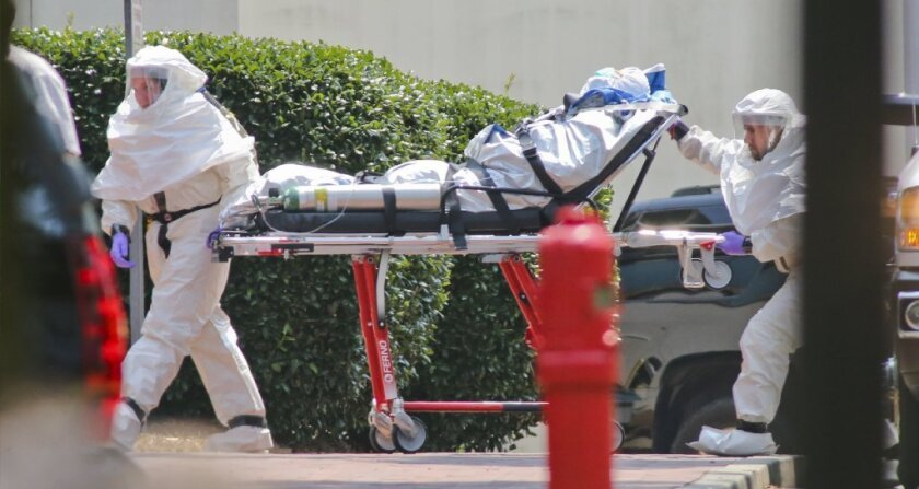 Ebola patients return toe the U.S.
