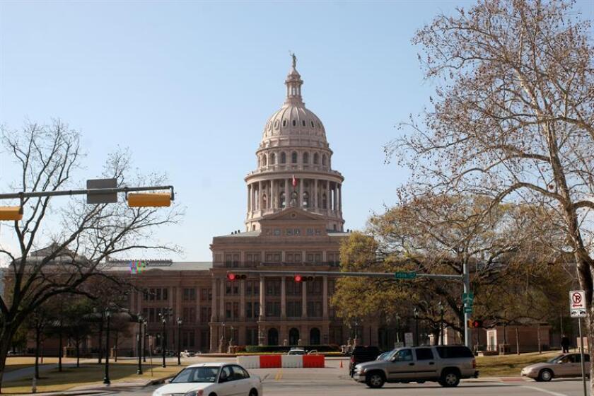 Dos tercios de los legisladores del Congreso de Texas, que arranca este martes su 85 sesión legislativa, son blancos, a pesar de que solo el 43 % de la población tejana es de esa blanca, según datos oficiales. EFE/ARCHIVO