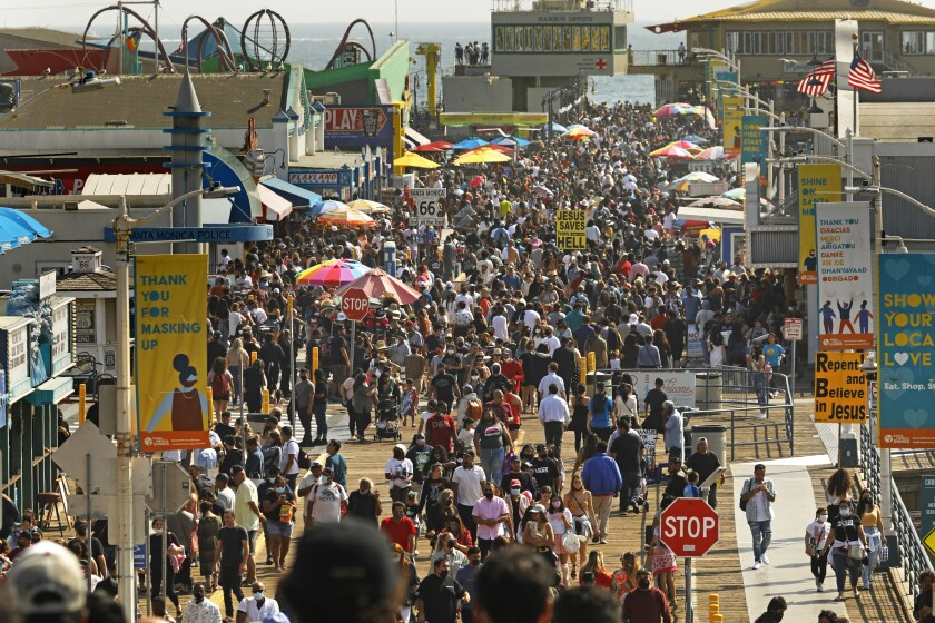 Crowds on the Santa Monica Pier on Memorial Day