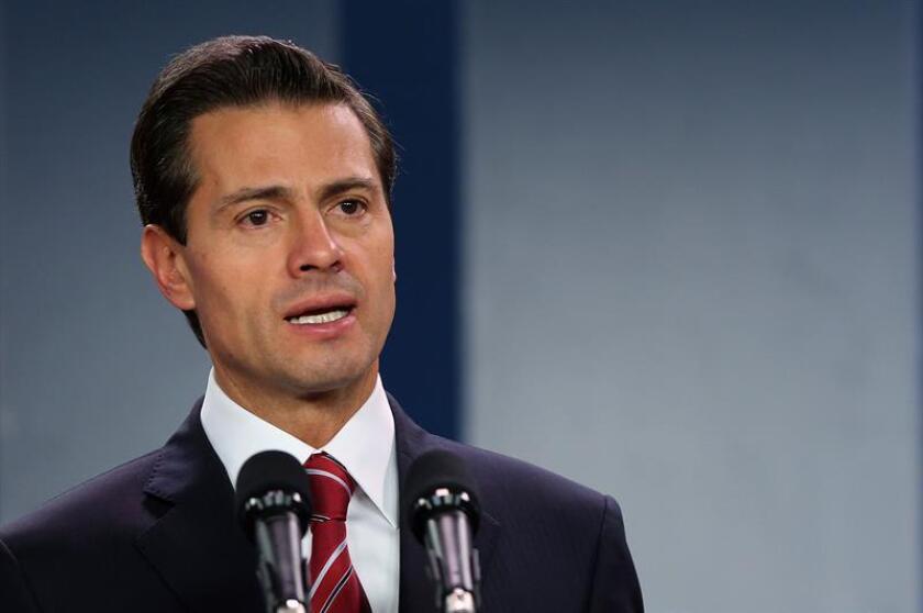 El presidente de México, Enrique Peña Nieto, habla durante una rueda de prensa. EFE/Archivo