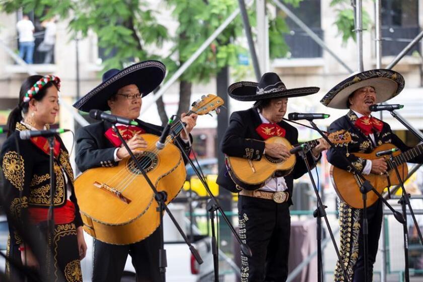 Integrantes de la agrupación Mariachi Samurai, de Japón, participan este martes 28 de agosto de 2018 de un concierto en el marco del XXV Encuentro Internacional del Mariachi y la Charreria realizado en la ciudad de Guadalajara, en el estado de Jalisco (México). EFE