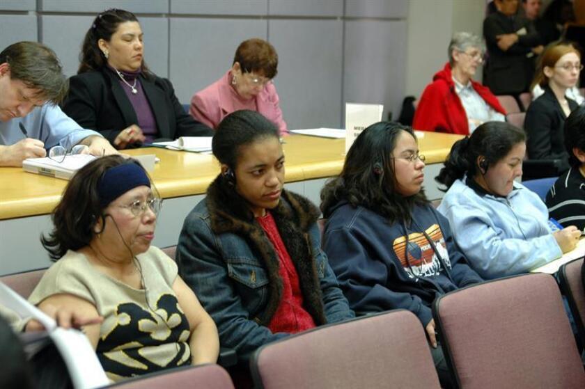"""El """"Comité Mujeres Buscando Justicia"""" se presentó el lunes 7 de febrero, a una audiencia pública en el condado de Montgomery, Maryland (EEUU), para dar testimonio de los abusos que las trabajadoras domésticas sufre, y reclamando que se apruebe un proyecto de ley para proteger sus derechos. EFE/Archivo"""
