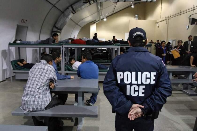 Para el 30 de marzo, la agencia había identificado a 600 inmigrantes vulnerables bajo su custodia y liberó a más de 160.