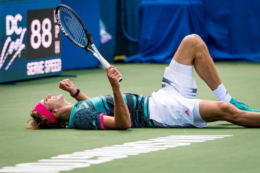 Alexander Zverev, de Alemania, tras el partido semifinal contra Stefanos Tsitsipas, de Grecia, en el torneo de tenis Citi Open en el Fitzgerald Tennis Center en Washington, DC, Estados Unidos, el 4 de agosto de 2018. Zverev ganó el partido 6 -2,6-4. EFE