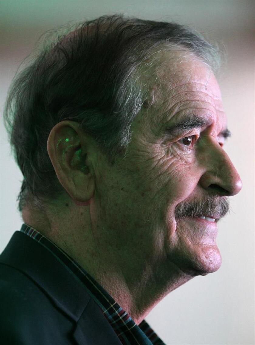 El expresidente mexicano Vicente Fox (2000-2006) habla durante el Primer Simposio Médico de Cannabis Medicinal este jueves, en Ciudad de México (México). EFE