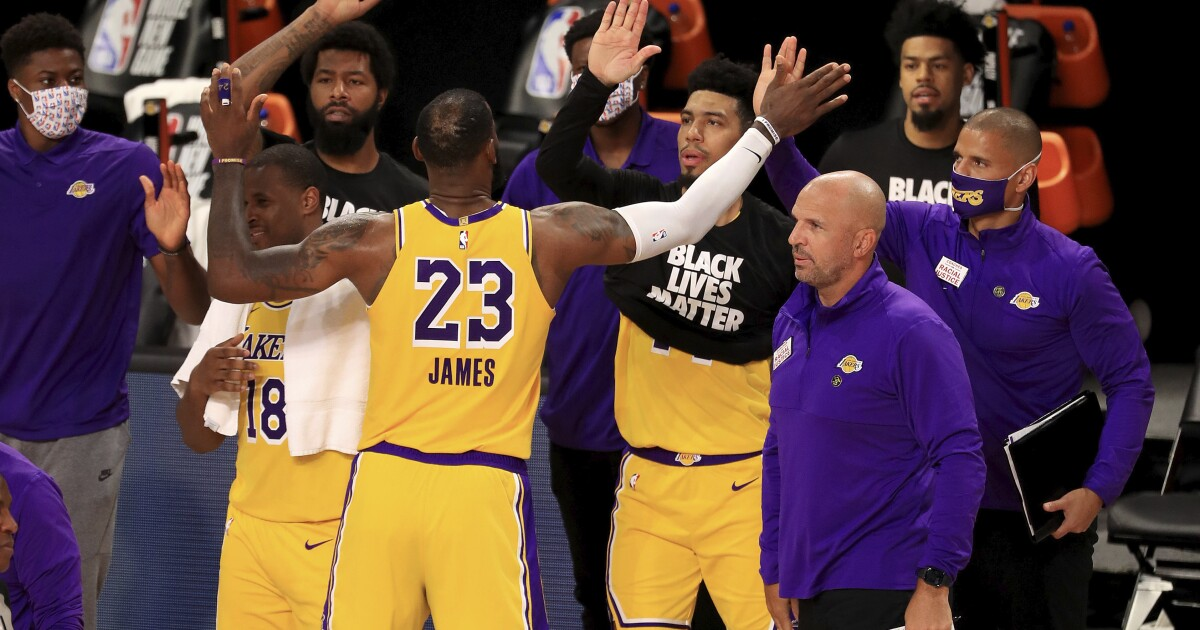 Lakers are off to flying start with victory over Clippers