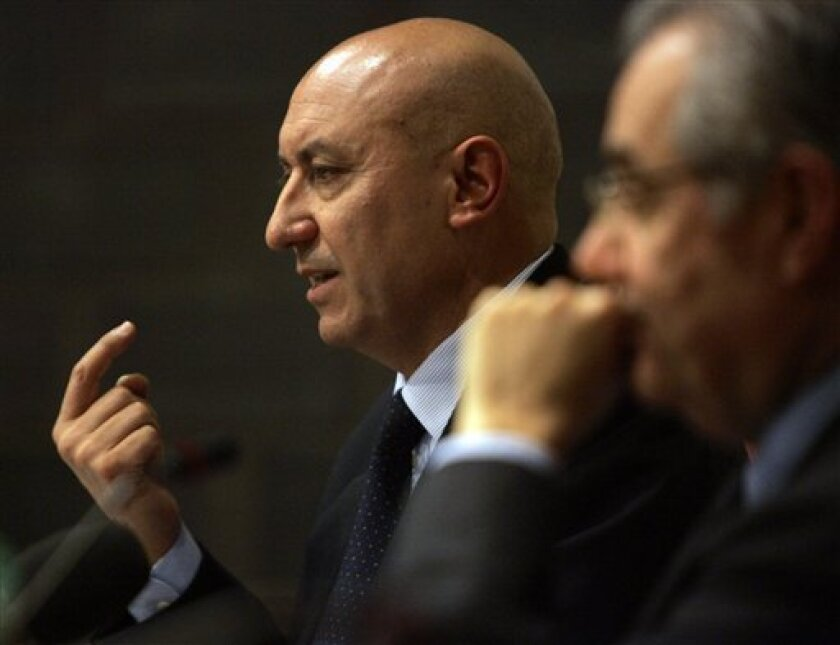 Rocco Sabelli, left, Chief Executive of the CAI (Compagnia Aerea Italiana) investors group, and its President Roberto Colaninno, right, are seen during a press conference in Rome, Monday, Jan. 12, 2009. Sabelli, CEO of Alitalia's controlling investor group CAI, said the board has accepted Air Franc