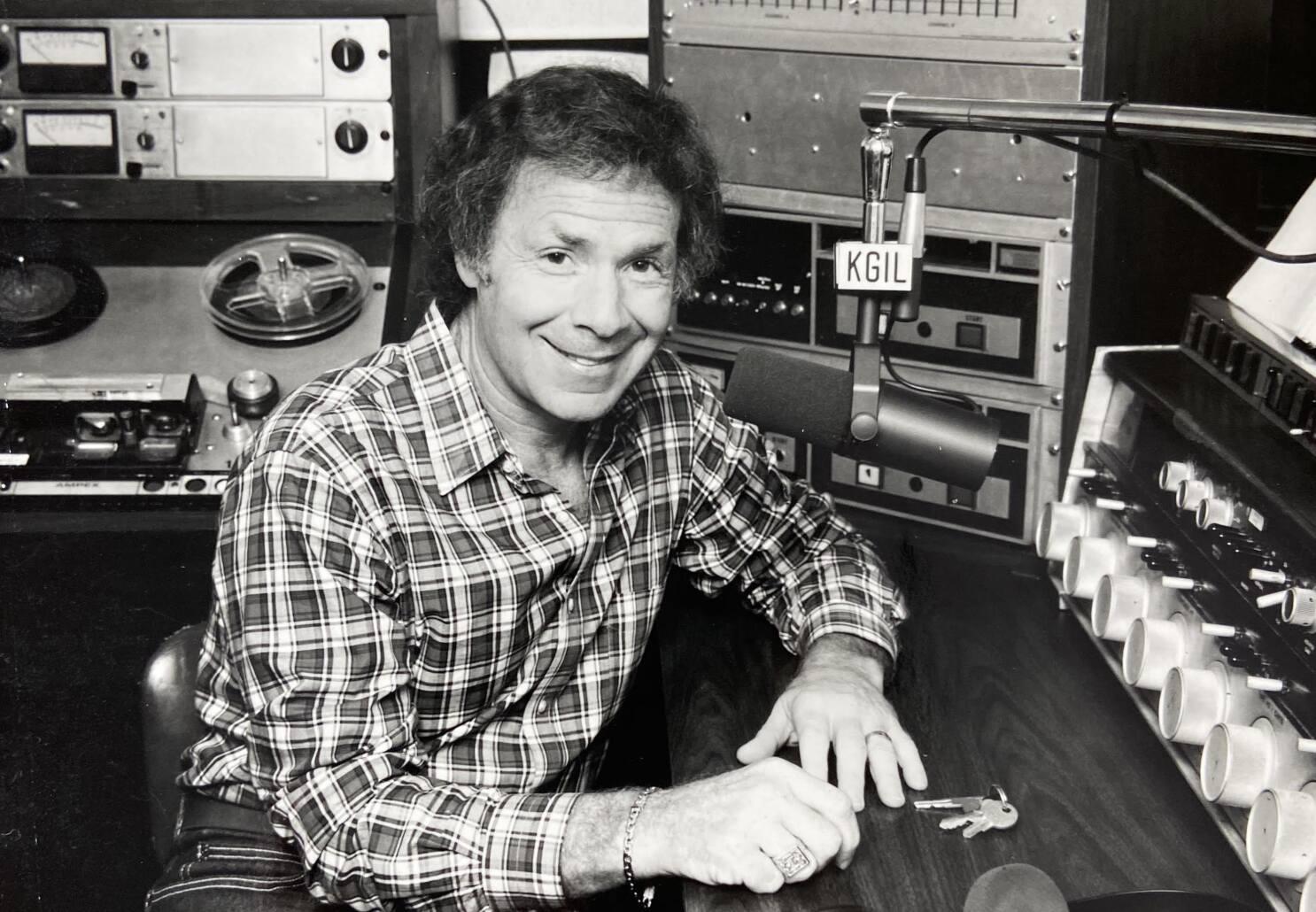 Judge Judy Announcer Jerry Bishop Dies At 84 Los Angeles Times