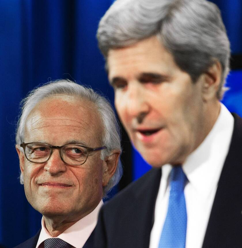 Secretary of State John F. Kerry announces the appointment of Martin Indyk, left, a former U.S. ambassador to Israel, as the new special envoy to oversee Israeli-Palestinian talks.