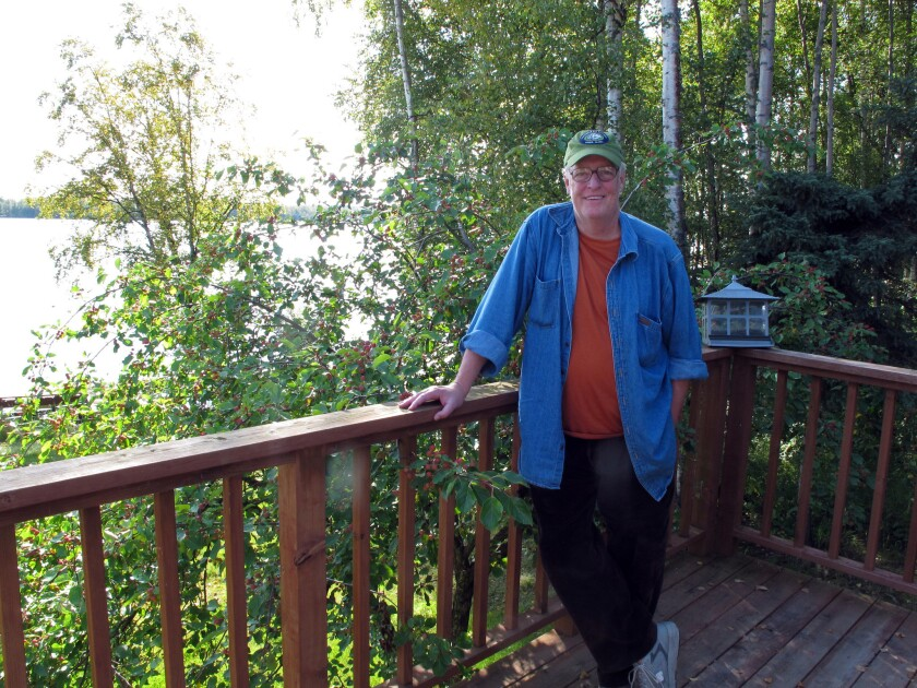 """Author Joe McGinniss at the home he rented next door to Sarah Palin to write his book about her, """"Going Rogue."""" McGinniss, the adventurous and newsmaking author, has died from complications of prostate cancer."""