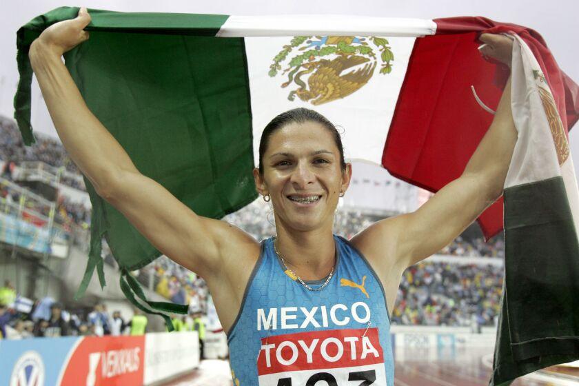 Ana Guevara, ex campeona mundial de los 400 metros planos y medallista olímpica.