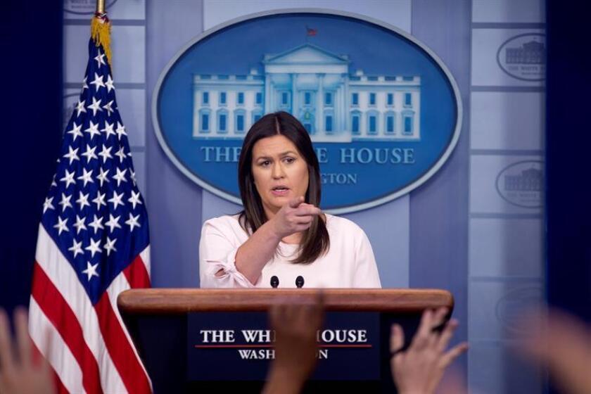 La portavoz de la Casa Blanca, Sarah Huckabee Sanders, reafirmó hoy que el país no reconoce la anexión rusa de la península de Crimea en marzo de 2014, una reiteración de la postura mantenida hasta ahora por Washington que pretende zanjar los rumores sobre un cambio diplomático. EFE