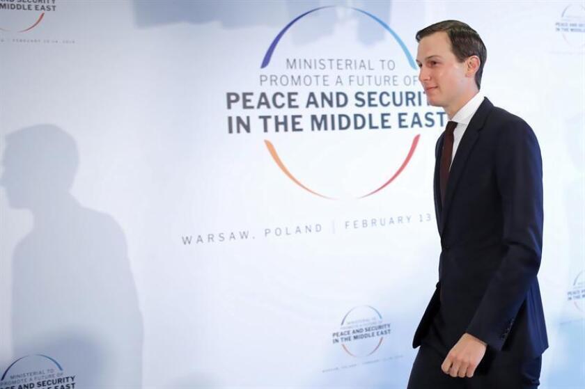 El yerno y asesor del presidente estadounidense, Donald Trump, Jared Kushner, a su llegada el jueves 14 de febrero a la segunda jornada de la conferencia de Varsovia sobre Oriente Medio que se celebra en el Estadio Nacional de Varsovia, Polonia. EFE/Archivo