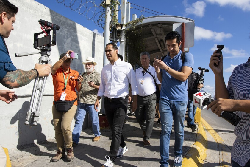 APphoto_Julian Castro Asylum Camp Visit