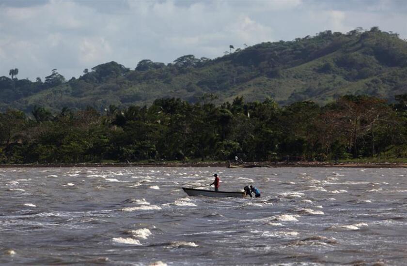 Un grupo de 31 personas pertenecientes a una iglesia misionera internacional fue rescatado hoy de un islote al sur de Puerto Rico, cuando la embarcación en la que viajaban zozobró, informó la Policía local. EFE/ARCHIVO