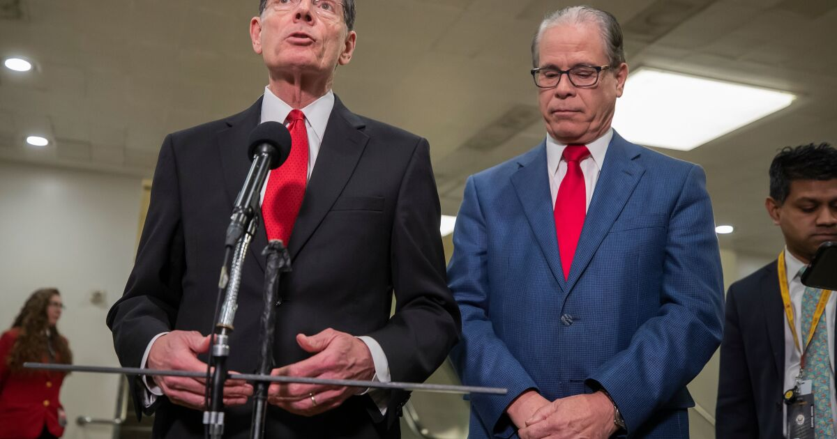 Impeachment trial likely to end quickly after key Republican says he'll vote against witnesses