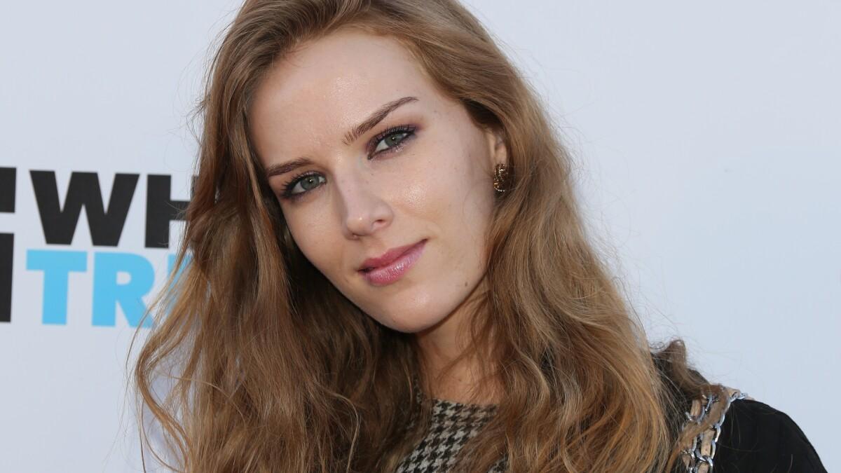 Charlotte Kirk  nackt