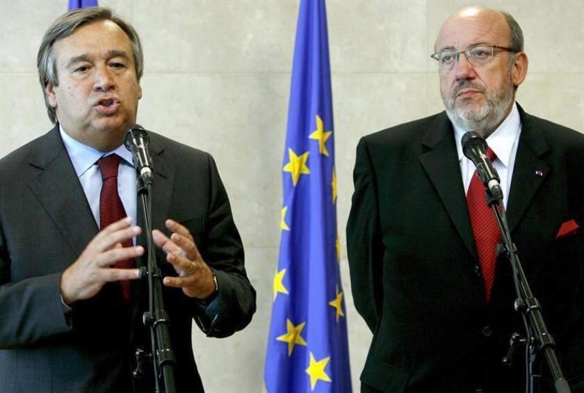 El Secretario General de la ONU, Antonio Guterrez (i) y el comisario europeo de Desarrollo y Ayuda Humanitaria, Louis Michel (d), durante una rueda de prensa tras su reunión en Bruselas. EFE/Archivo