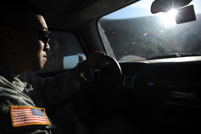 Varios activistas de National City, en el sur de California, se manifestaron hoy en defensa de una madre inmigrante detenida por agentes federales y cuyo arresto fue captado en dos videos que se han vuelto virales en las últimas 24 horas. EFE/ARCHIVO