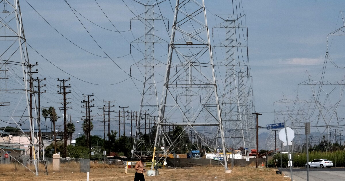 California power grid manager urges residents to conserve energy amid intense heat wave