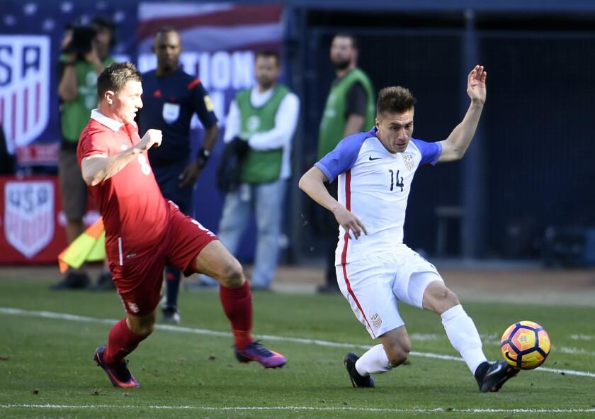 Jorge Villafaña cumple su sueño al debutar con EEUU pero no todo fue felicidad.