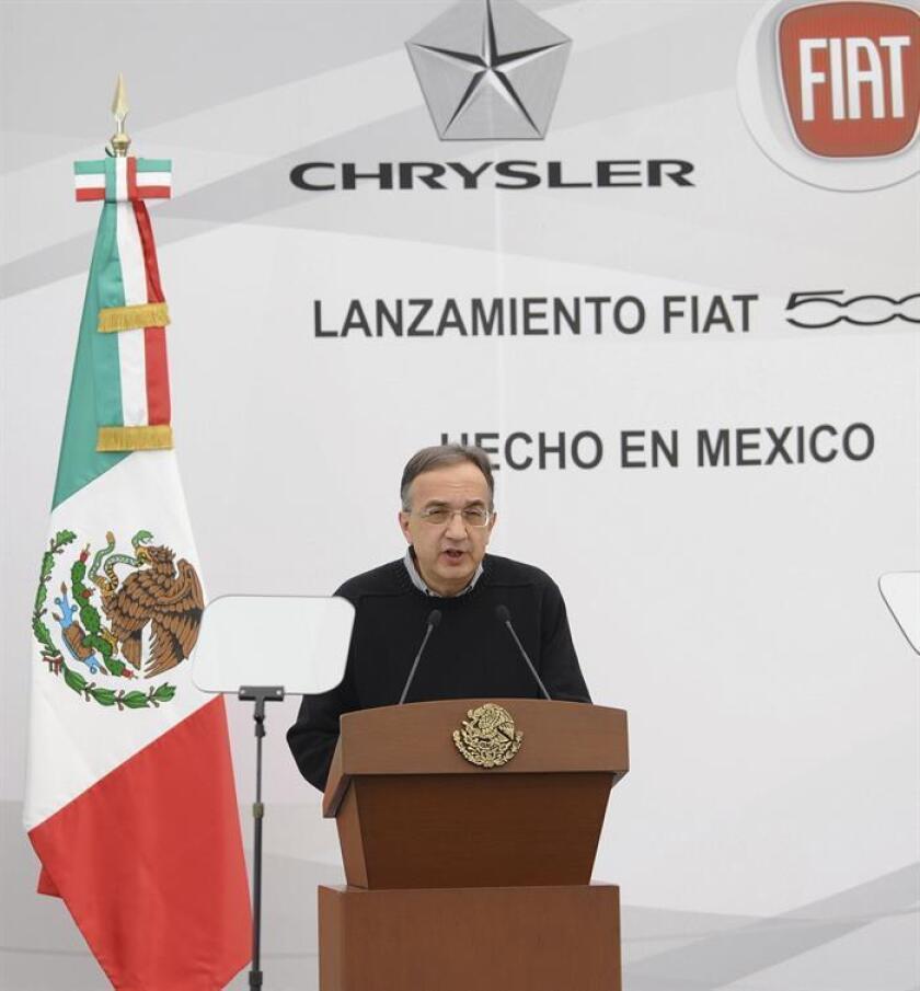 Fiat Chrysler (FCA) celebró hoy la producción de tres millones de motores en su planta de ensamble en Saltillo, en el norteño estado mexicano de Coahuila, a un mes de que su competidora Ford cancelara una inversión en el país por 1.600 millones de dólares. En la imagen, el director ejecutivo de Fiat y Chrysler, Sergio Marchionne. EFE/ARCHIVO