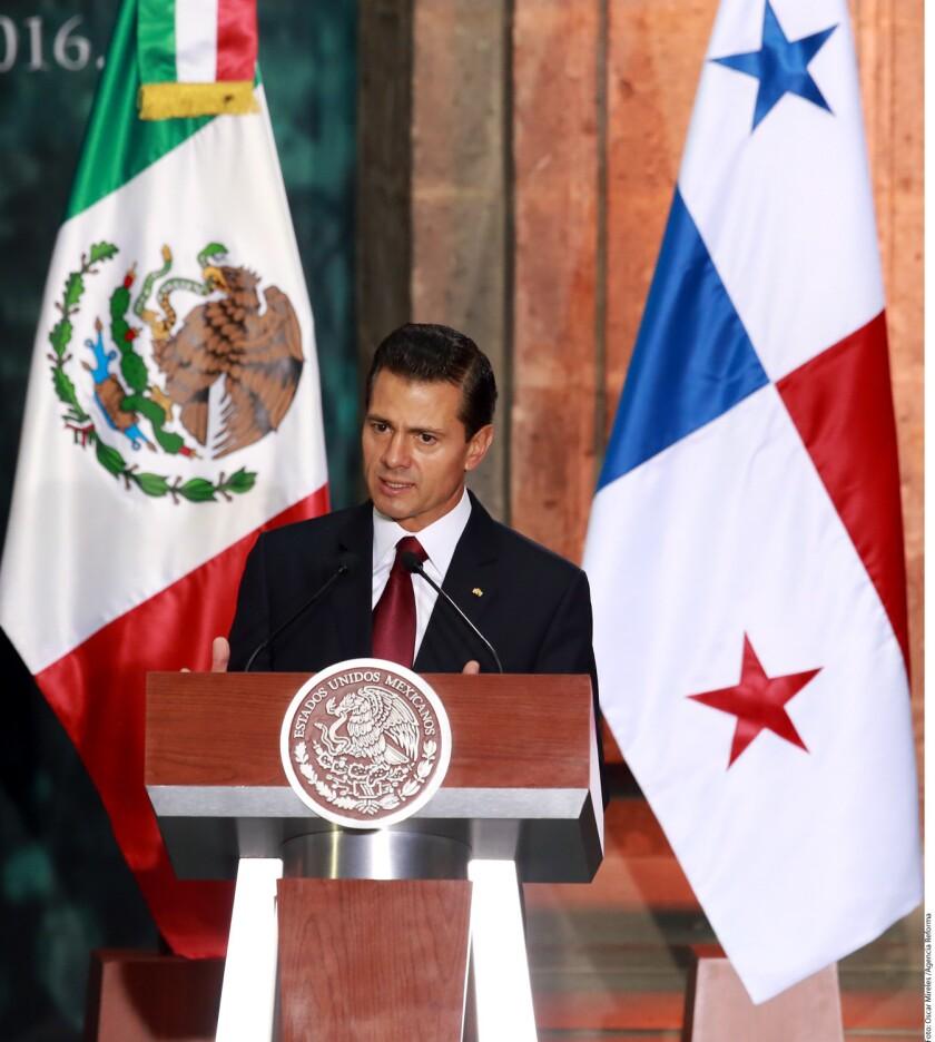 El Presidente de Estados Unidos, Barack Obama, y el Mandatario de México, Enrique Peña Nieto, sostuvieron hoy una llamada telefónica donde acordaron consolidar la relación entre ambos países.
