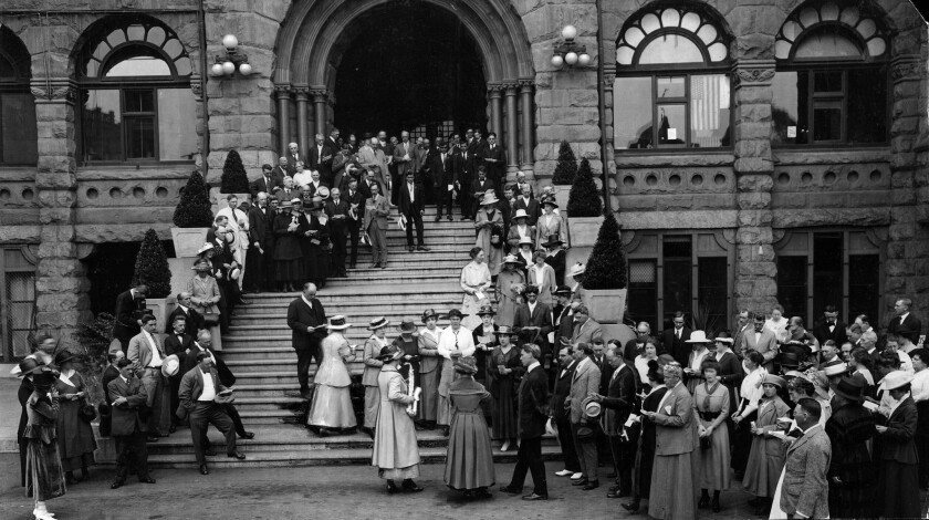 July 15, 1918: Los Angeles County officials and employees gather on the steps of the county courthouse for a minute of prayer followed by songs in support of American troops in Europe during World War I.