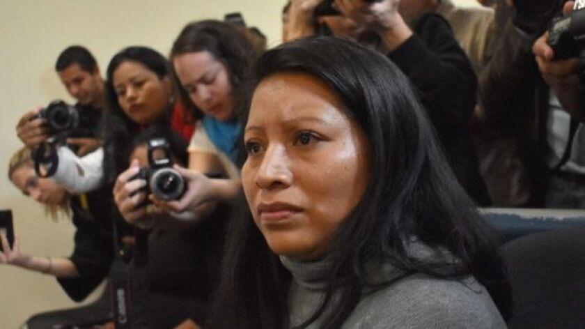 El Tribunal Supremo de El Salvador decidió en una sorprendente decisión conmutar la pena de Teodora Vásquez, condenada a 30 años de prisión por las estrictas leyes contra el aborto vigentes en el país.