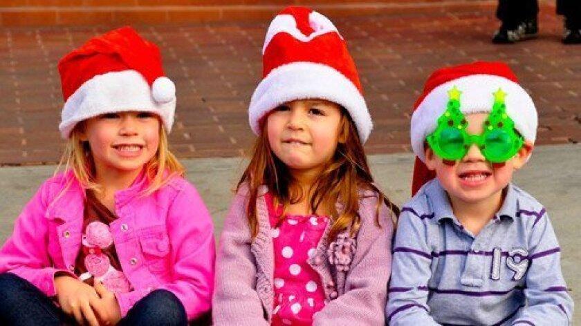 Christmas-Parade-12-12-13-DSC0406-Kids-FI