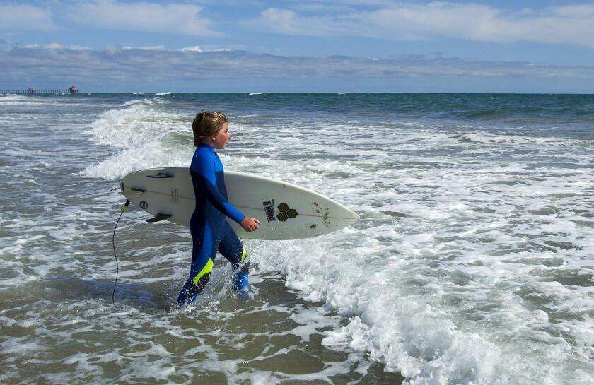 tn-tn-hbi-me-0526-surf-class-kid-3-20160601
