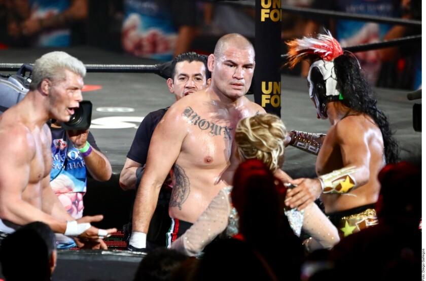 Embiste Cain en el ring y tien_809420.JPG